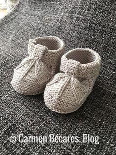 Ideas que mejoran tu vida Baby Booties Knitting Pattern, Knit Baby Shoes, Baby Boots, Baby Knitting Patterns, Baby Sandals, Baby Feet, Easy Projects, Crochet Projects, Knit Crochet