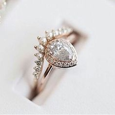 The Pear Rosette Ring by @annasheffield TRY IT ON @beaumade #AboutToSayYes . . . #beaumade #engaged #engagementring #justsaidyes #shesaidyes #bridetobe #futuremrs #ringselfie #ringfie #ringsofinstagram #ringblings #ringbling #bling #blingbling #putaringonit #feyonce #proposal #wedding #hierloom #diamondsareagirlsbestfriend #alternativeengagementring #showmeyourrings #gemhuntrings #love