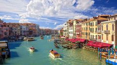 Book your Grand Canal tickets online and skip-the-line! Save time and money with our best price guarantee ▻ make the most of your visit to Venice! Grand Canal, Hotels And Resorts, Best Hotels, Luxury Hotels, Italy Tourist Attractions, France 3, Places In Italy, Belle Villa, Le Palais