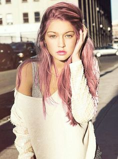 51 Stunning Rose Gold Hair to Steal the Show - New Hair Styles 2018 Looks Pinterest, Pelo Multicolor, Corte Y Color, Coloured Hair, Rose Gold Hair, Pink Ash Hair, Dusty Rose Hair Color, Dusty Pink Hair, Peach Hair
