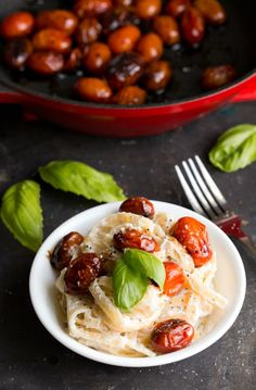 Fettuccine Ricotta with Blistered Balsamic Tomatoes - An easy, healthy pasta dinner recipe! | http://www.ihearteating.com | #vegetarian