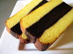 Kuih Lapis Surabaya, Recipe for Malaysian/Indonesian layered cake Indonesian Desserts, Indonesian Cuisine, Asian Desserts, Easy Desserts, Dutch Recipes, Sweet Recipes, Cake Recipes, Dessert Recipes, Lapis Surabaya