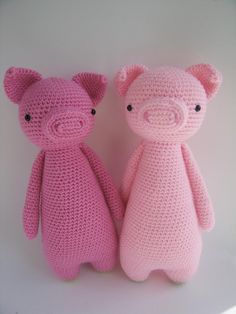 This is a pattern to make this lovely pig, including the owl backpack!The pattern includes many pictures and detailed explanations. It's in PDF format and will be available for download immediately after purchase.It is available in: - EnglishThe pig in the picture is made with Stylecraft Special DK yarn on a 2.75 (size C) hook and turned out to be 25 cm tall (about 9.8 inches).Level: intermediateThe following stitches are used: Regular stitch, decrease stitch, increase stitch, half double…