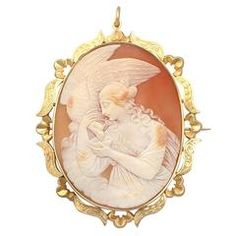 Cameo Brooch/Pendant in 9 K Yellow Gold - Antique Victorian