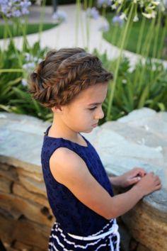 Coiffure enfant pour mariage coiffure Pinterest