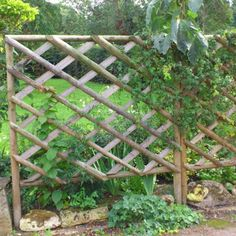 Hartwell & Co rustic trellis panels are made from peeled and treated round and half round timbers making them very strong and they will last for many - Alles über den Garten