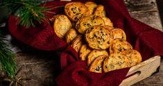 Túrós-tökmagos ropogós recept az ünnepekre | Street Kitchen Bologna, Stuffed Mushrooms, Cookies, Vegetables, Desserts, Yum Yum, Food, Stuff Mushrooms, Crack Crackers