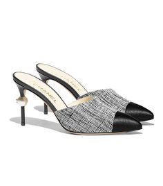 Shoes Will Always Be the Chicest Around, and These 12 Show Why Chanel Schuhe: Die besten Styles der Welt Slingback Chanel, Espadrilles Chanel, Chanel Mules, Coco Chanel, Stilettos, High Heels, John Galliano, Burberry, Gucci