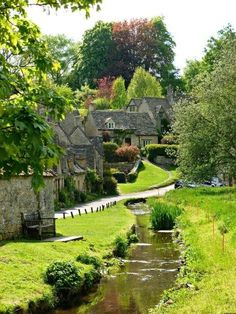 To find a quintessential English countryside setting, then there is no better place than the Cotswolds. There is stunning scenery all over the area. Places To Travel, Places To See, Wonderful Places, Beautiful Places, English Countryside, Travel Aesthetic, Beautiful Landscapes, Beautiful Gardens, Travel Inspiration
