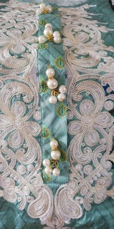 Neck Designs For Suits, Neckline Designs, Dress Neck Designs, Stylish Dress Designs, Stylish Dresses, Casual Dresses, Embroidery Neck Designs, Bead Embroidery Patterns, Embroidery Suits