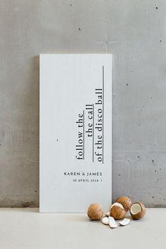 Modern french tropical wedding ideas with dried flowers Elegant Wedding Invitations, Wedding Stationary, Wedding Trends, Wedding Designs, Wedding Cards, Diy Wedding, Wedding Ideas, Minimal Wedding, Wedding Mood Board