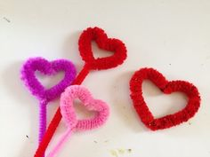 How to make a Pipe Cleaner Heart - YouTube