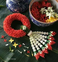 Backdrop Decorations, Flower Decorations, Wedding Decorations, Floral Garland, Flower Garlands, Thai Decor, Marriage Decoration, Leaf Crafts, Garland Wedding