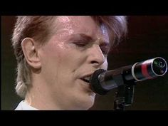 David Bowie - Heroes - (Live Aid. 13th July 1985).