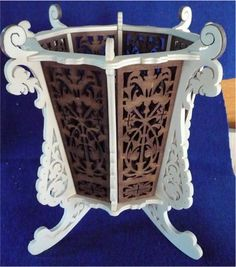 Flower pot stand, scroll saw fretwork pattern