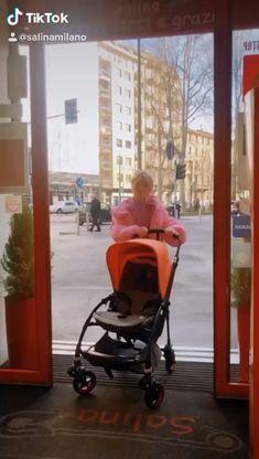 Vi aspettiamo da Salina per una giornata di shopping per mamma e bimbo.  Venite a vedere la Limited Edition Bugaboo Bee5 Coral, il passeggino con cui non passerete inosservati in città. Bugaboo Bee 5, Mamma, Baby Strollers, Coral, Children, Shopping, Baby Prams, Young Children, Boys