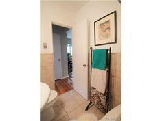 Bathroom 2100 Franklin Street UNIT 20, Denver, CO 80205 - #: 8249743 #forsale #condo #denver #realestate #staging #bathroom #woodblock #japanese #decor
