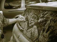 """It's not hard to find those dull """"wash me, please"""" messages on dirty cars. But American artist Scott Wade makes better use of the dirty windows of unwashed cars, creating detailed drawings on these…"""