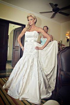lazaro 3762 size 4 used wedding dress - Nearly Newlywed