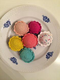 Fingernem: DIY: Gratis hækleopskrift på hæklede muffins