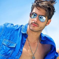 25 Best Mens Sunglasses Trends 2019 - The Finest Feed 25 Best Mens Sunglasses Trends 2019 - The Finest Feed Best Mens Sunglasses, Trending Sunglasses, Beautiful Men Faces, Gorgeous Men, Cool Hairstyles For Men, Mature Men, Shirtless Men, Mens Glasses, Hair And Beard Styles