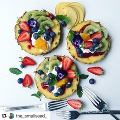 #Repost @the_smallseed_ ・・・ Sunday!!!💕 Best day of the week right!!👌 : Had a bit of fun in the kitchen this morning with my youngest making these Pineapple fruit pizzas which we topped with a dollop of my raspberry chia jam, coconut yogurt, and various fruits😋So easy, quick to make and a fun way to eat fruit!! :  I made these to celebrate my friend Nisha @rainbowplantlife who is celebrating #rainbowplantlifeparty all that she has achieved so far along with 30k followers who adore her…