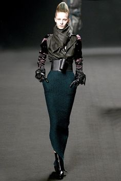 Haider Ackermann Parigi - Fall Winter Ready-To-Wear - Shows - Vogue. Haider Ackermann, Fashion Week, High Fashion, Fashion Show, Fashion Design, Fashion Addict, Couture Fashion, Runway Fashion, Womens Fashion