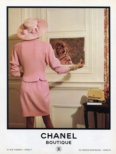 Tribute to Chanel Vintage Clothing at Luxury & Vintage Madrid , the best online selection of luxury brands Style Coco Chanel, Coco Chanel Fashion, Mode Chanel, 80s Fashion, Fashion Prints, Vintage Fashion, Chanel Paris, Costume Rose, Image Mode