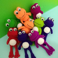 Sweet poison frog #colourful #amigurumi #crochet #amigurumifrog #crochetfrog #amigurumitoy #amigurumidoll #amigurumikeychain #crochetart #craft #craftmalaysia #crochetmalaysia #amigurumimalaysia #handmadegifts #handmadekeychain
