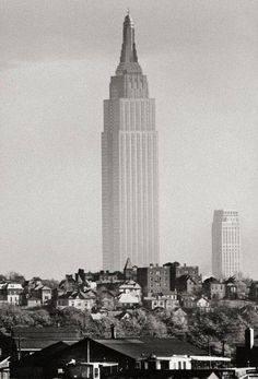 1941 Empire State. Taken from NJ using a homemade telephoto lens. Andreas Feininger photo. Lumas