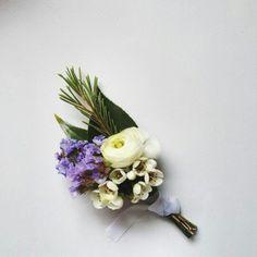 #Boutonniere #realwedding #groom #bridalbouquet #bridalflower #weddinginspo #bridalinspiration #bridesmaid #dearestjolie