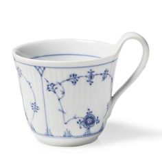Hand painted, the Blue Fluted Plain pattern is a part of Denmark's cultural heritage. To connoisseurs all over the world, it's synonymous with Danish porcelain. Blue Fluted Plain is Royal Copenhagen's number one service - in more ways than one. It was the first service to be made at the Royal Copenhagen Porcelain Manufactory when it first started in 1775. Blue fluted Plain Plain has been manufactured continuously for more than two centuries and remains the designer's most sought after…
