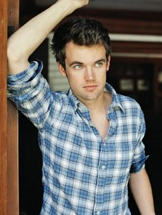 Day 5 - Favorite actor. Tyler Hilton, he plays Chris Keller. So happy he came back for the 9th and final season  <3