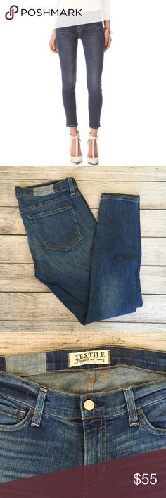 Elizabeth and James Ozzy Skinny Jeans See photo for full details. Excellent condition 🚫NO TRADES/NO MODELING🚫✅BUNDLE TO SAVE ✅ Elizabeth and James Jeans Skinny