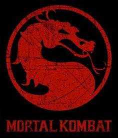 Camiseta Mortal Kombat. Dragón  Camiseta del popular videojuego Mortal Kombat con un llamativo dragón estampado que no pasará desapercibido.