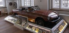 MG Exhibition | 1980s bronze car on display at Abingdon County Hall Museum (Dec 2011)