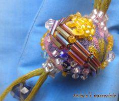 Collana tessile con elementi rivestiti in di TizianaSmasserizie