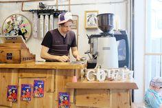 おお堀江公園すぐにある自転車専門店(チャリ屋)「GIRACHA」に併設されたコーヒースタンド「GIRACHA …