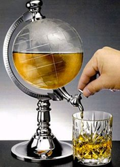this would be soooo coooool on our bar! great gift idea for anyone who loves both booze and traveling ;)