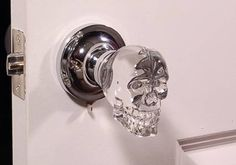 door knobs: creepy or the best thing ever Love this skull doorknob -- aside from the design, glass knobs remind me of my childhood home.Love this skull doorknob -- aside from the design, glass knobs remind me of my childhood home. Skull Decor, Skull Art, Skull Head, Goth Home, Knobs And Knockers, Decoration Inspiration, Gothic Home Decor, Gothic House, Gothic Room