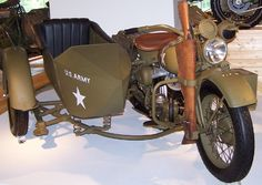 Google Image Result for http://0.tqn.com/d/classicmotorcycles/1/7/v/0/-/-/Harley-Davidson-WW2-sidecar-400X.png