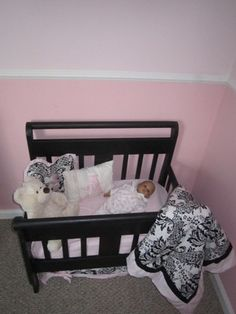 DIY toddler bed to baby doll bed, Great Idea! Diy Dolls Crib, Baby Doll Nursery, Doll Beds, Baby Dolls, Diy Furniture Sofa, Baby Doll Furniture, Repurposed Furniture, Furniture Ideas, Crib Makeover