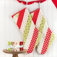 Quilt As You Go Stocking by June Tailor - The Jolly Jabber Quilting Blog Christmas Sewing Projects, Christmas Crafts, Xmas, Christmas Stocking Pattern, Christmas Stockings, Quilt As You Go, Shabby Fabrics, Easy Quilts, How To Make Notes