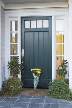 Front Door Paint Colors - Want a quick makeover? Paint your front door a different color. Here a pretty front door color ideas to improve your home's curb appeal and add more style! Teal Front Doors, Teal Door, Front Door Paint Colors, Painted Front Doors, Paint Colors For Home, Paint Colours, Black Door, Exterior Door Colors, Exterior Paint