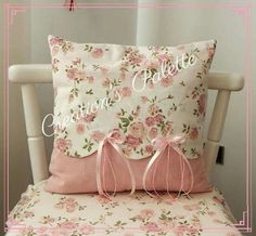 decorative pillows 818951513475322459 - Shabby Chic Pillows Diy Cushions Super Ideas Source by charlainegodebe Shabby Chic Pillows, Cute Pillows, Diy Pillows, How To Make Pillows, Shabby Chic Decor, Decorative Pillows, Throw Pillows, Draps Design, Pillow Crafts
