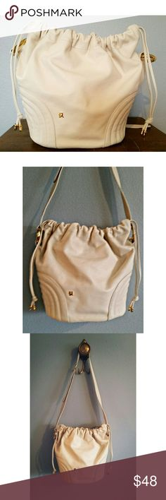 Italian Leather Purse *NWOT* Gorgeous Cream Colored Geniune Leather Purse. Made in Italy. Bags