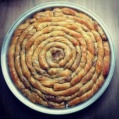 Elpida's Little Corner! Pita Recipes, Greek Recipes, Candy Recipes, Desert Recipes, Cookie Recipes, Greek Sweets, Greek Desserts, Sweet Buns, Sweet Pie
