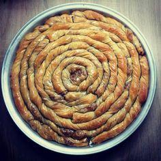 Elpida's Little Corner! Pita Recipes, Greek Recipes, Desert Recipes, Vegetarian Recipes, Greek Sweets, Greek Desserts, Sweet Buns, Sweet Pie, Cypriot Food