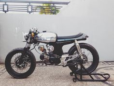 Honda_S90_Cafe_Racer_HTerry_Moto-Mucci+(2).JPG (1600×1200)