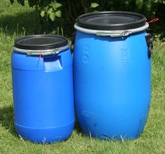 Our range of food storage options extend from very small to very large with these Blue UN storage Kegs. Available in 30lt, 60Lt and 120Lt options, air tight and water proof, store food in outbuildings, garages and sheds without unwelcome little visitors helping themselves. 30Lt £14.95, 60 Lt £24.95 and 120Lt £35.95